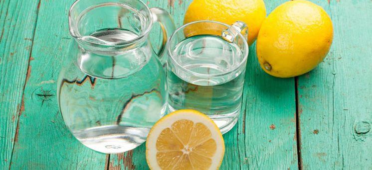 Apa cu lamaie: beneficii pentru inima si ficat